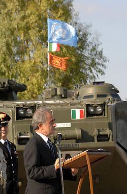 Visita del ministro della difesa al contingente militare for Dove ha sede il parlamento italiano