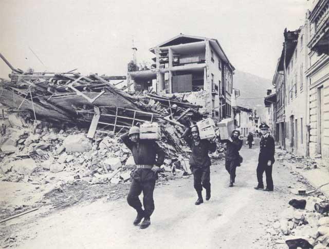 Gemona: inaugurato monumento in memoria delle vittime del terremoto del 1976